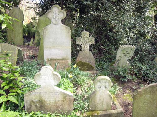 8-highgate-rossettisiddal-grave-sm